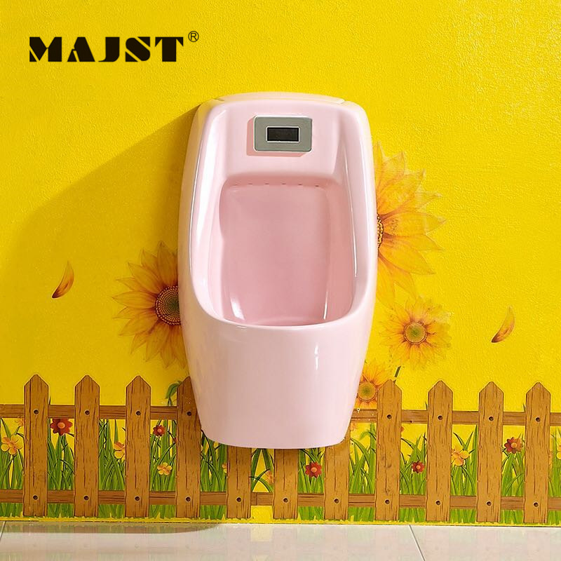 Tiểu đặt sàn cho bé trai D, mã 9846 cảm ứng tự động dội nước