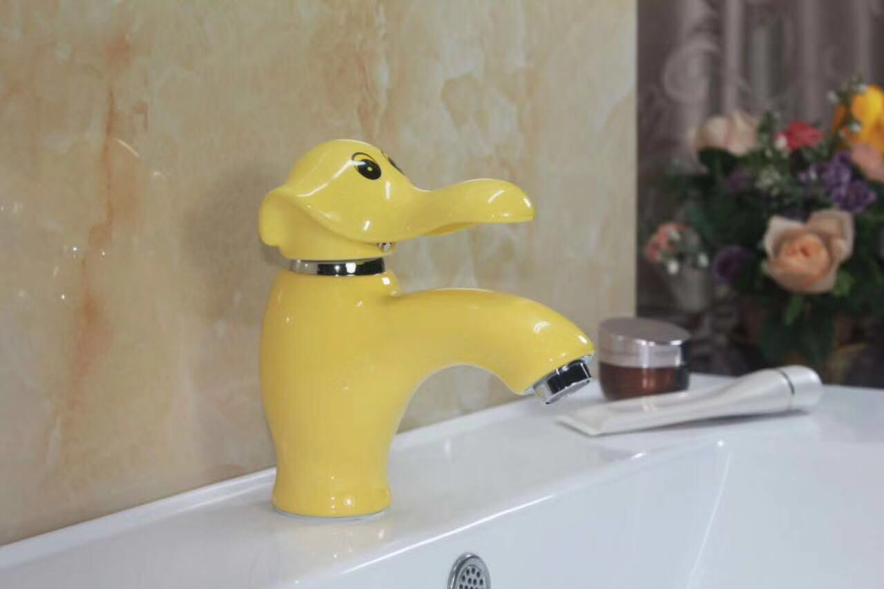 vòi lavabo cho trẻ em